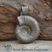 White Copper Ammonite Focal (1 piece)